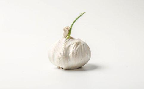 老人吃大蒜好吗 大蒜的营养价值 吃大蒜的好处