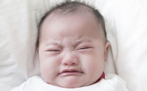 宝宝晚上睡觉总啼哭是什么原因 宝宝晚上睡觉总啼哭怎么办 宝宝晚上睡觉总啼哭的解决方法