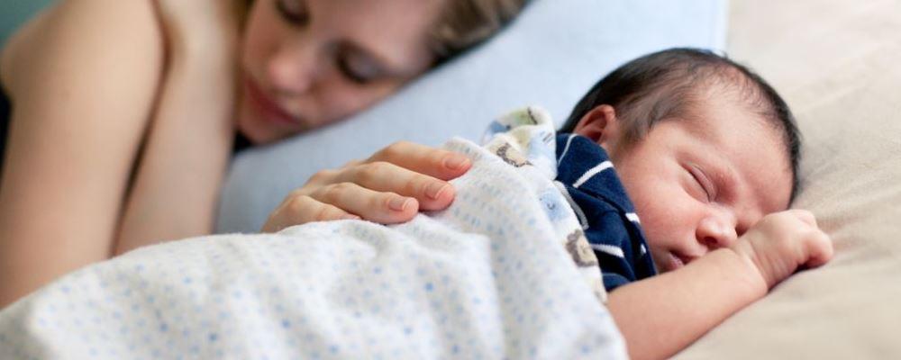 宝宝睡觉出汗多是怎么回事 宝宝睡觉出汗多是怎么办 宝宝出汗多的应对方法有什么