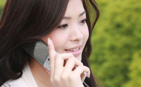 右耳接电话损伤大脑 如何护耳 耳朵怎么<a href=http://www.yswang.net/ target=_blank class=infotextkey>保健</a>