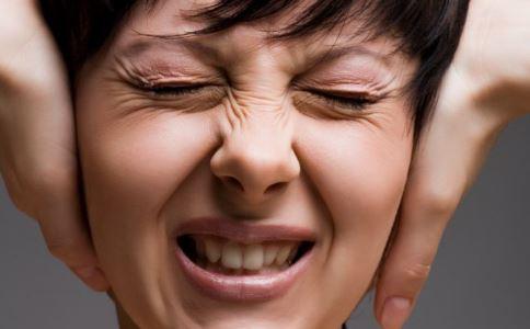 右耳接电话损伤大脑 如何护耳 耳朵怎么保健