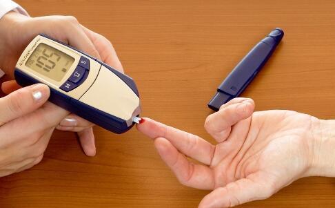 心理压力过大会引发糖尿病 要如何预防