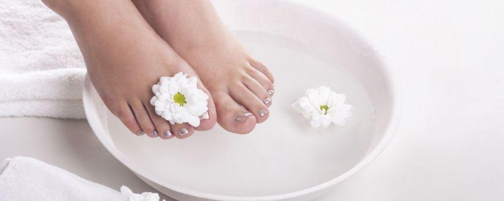 如何泡脚才能养生 泡脚养生方法 泡脚养生