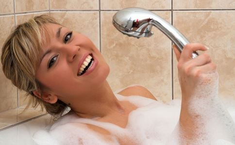空腹洗澡好吗 什么时候不能洗澡 洗澡要注意什么