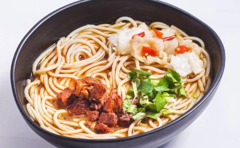吃面食会发胖吗 米饭馒头面条哪种热量最高 热量低的面食有哪些