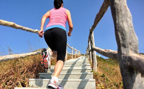 爬楼梯能不能瘦大腿 瘦腿的方法有哪些 哪些运动可以瘦腿